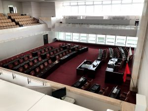 前方から見た新潟県議会